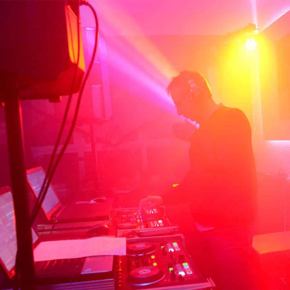 dj-galerie-9-holger-licht-rot